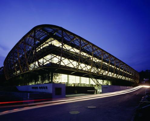 Hugo Boss: corporate lighting. L'illuminazione della sede centrale a Coldrerio in Svizzera