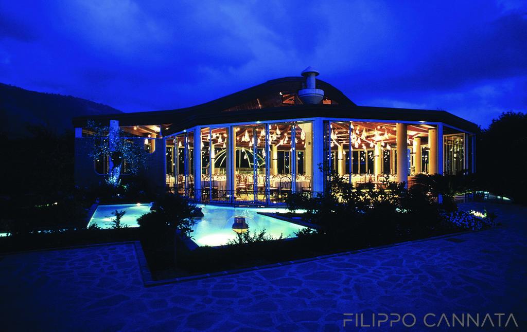 Luce e ristorazione: la magia inizia dallesterno filippo cannata